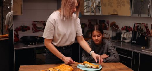 MEAT PIE WITH CHEESE. ART FOOD VIDEO